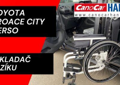 Nakladač invalidního vozíku do zadních dveří auta